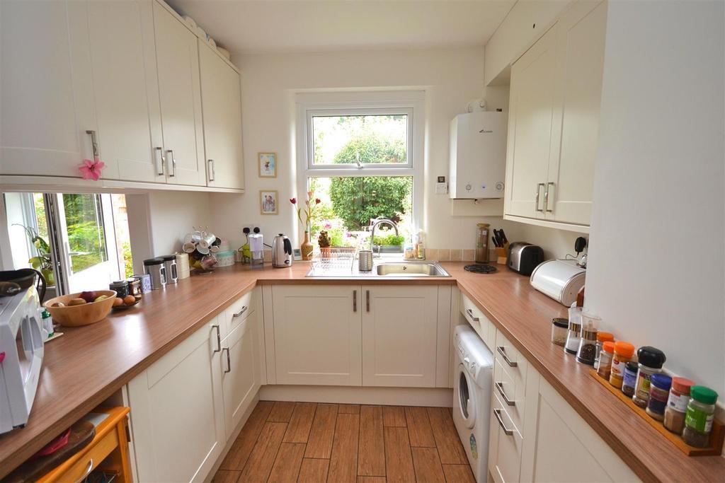 Kitchen (32).jpg