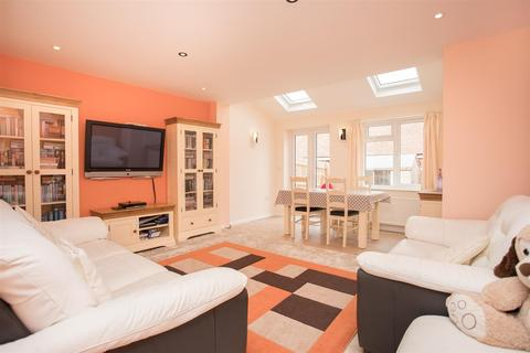 2 bedroom end of terrace house for sale - Warmstone Close, Waddesdon, Aylesbury
