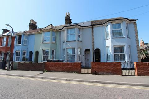 3 bedroom terraced house for sale - Canada Road, Walmer, CT14