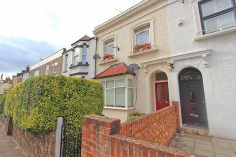 2 bedroom ground floor flat to rent - Sebert Road, Forest Gate E7