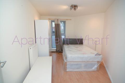 1 bedroom in a flat share to rent - Godalming Road    (All Saints), London, E14