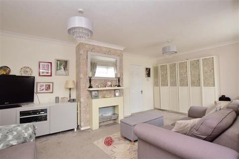3 bedroom semi-detached house for sale - Heathside Avenue, Coxheath, Maidstone, Kent