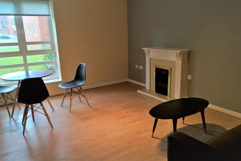 1 bedroom property to rent - x1 Bed Flat - Seymour House Sandy Lane - Available May 2021