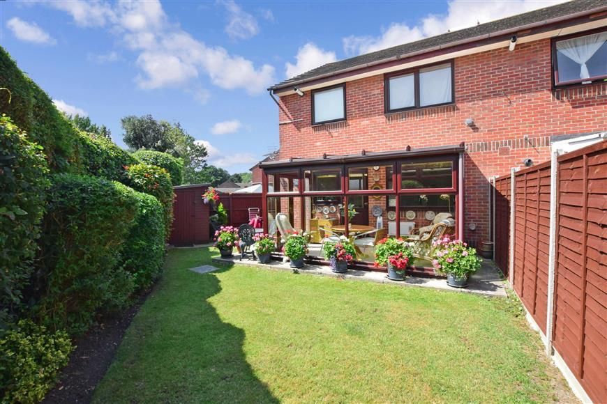 carronade walk, portsmouth, hampshire 1 bed ground floor flat for sale - 170,000