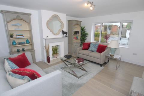 3 bedroom terraced house for sale - Wickenden Road, Sevenoaks, TN13