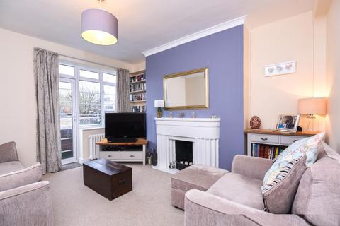 2 bedroom flat for sale - North Hill, Highgate
