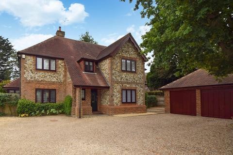 5 bedroom detached house for sale - Pink Lane, Burnham, SL1
