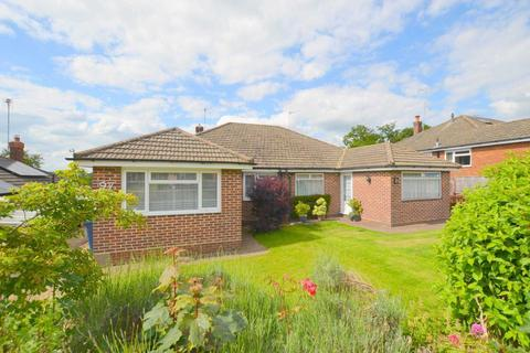 3 bedroom bungalow for sale - Nalders Road, Chesham HP5