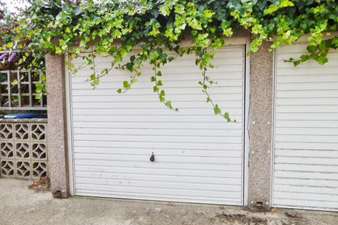 Garage to rent - South Terrace, Littlehampton