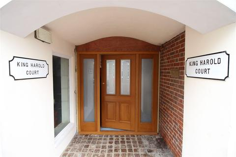 1 bedroom flat to rent - King Harold Court, Sun Street, Waltham Abbey, Essex