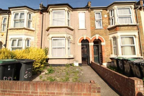 4 bedroom house to rent - St. Pauls Road