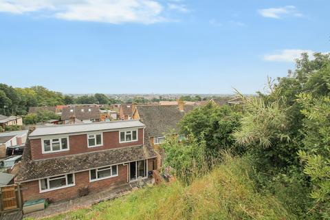 4 bedroom chalet for sale - Boxgrove Close, Lancing BN15 0QG