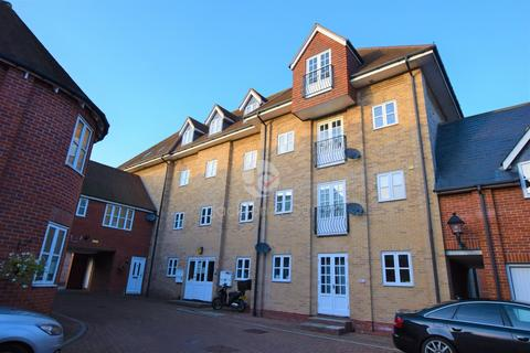 2 bedroom apartment to rent - Connaught Close, Colchester