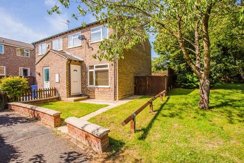 3 bedroom semi-detached house to rent - Montabaur Road, Brackley