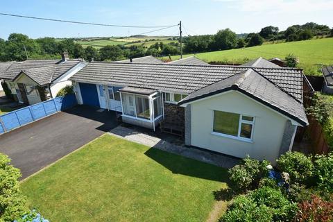 3 bedroom detached bungalow for sale - Medrow, Launceston