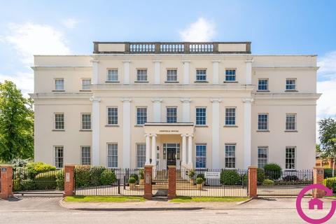 3 bedroom apartment to rent - Bayshill Road, Cheltenham