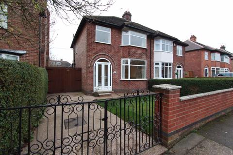 3 bedroom semi-detached house to rent - Clarence Road, Attenborough, NG9 5HY