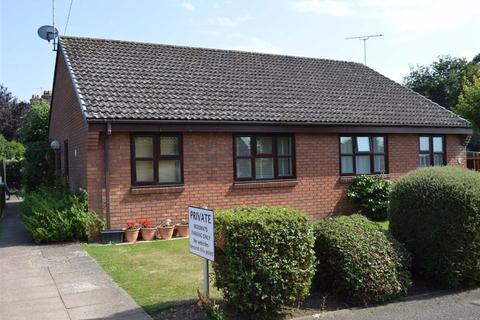 2 bedroom detached bungalow for sale - Victoria Place, Wimborne, Dorset