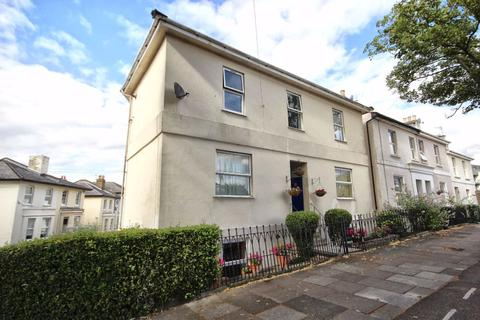 1 bedroom flat for sale - St Georges Road, Near Train Station, Cheltenham, GL50