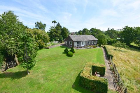 3 bedroom detached bungalow for sale - Rye Road, Newenden
