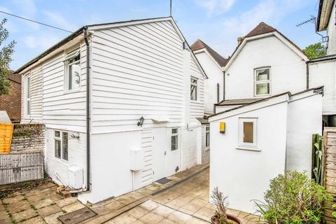 3 bedroom maisonette to rent - London Road, Southborough