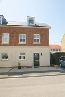3 bedroom end of terrace house to rent - Trafalgar Drive, Deal CT14