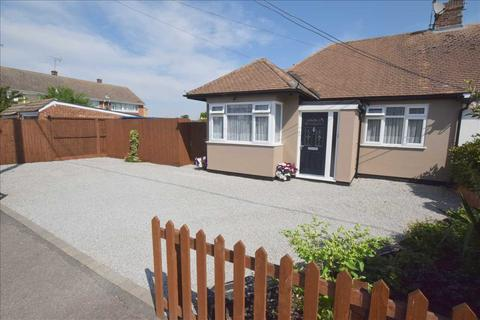 2 bedroom bungalow for sale - Erick Avenue, Broomfield, Chelmsford