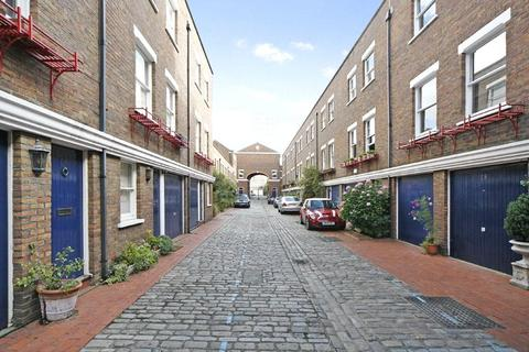 2 bedroom mews to rent - Shrewsbury Mews, Notting Hill, W2