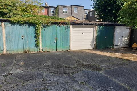 Garage to rent - Hamilton Road, Wimbledon SW19