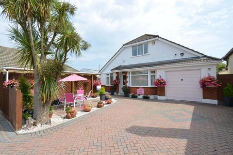 6 bedroom chalet for sale - Lake Road, Hamworthy, Poole, BH15 4LF