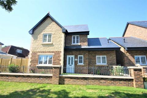 4 bedroom detached house for sale - London Road, Sholden
