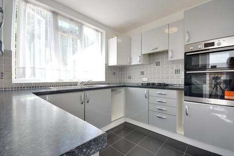 3 bedroom terraced house to rent - Roundways, Ruislip Gardens, HA4