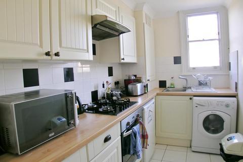 1 bedroom flat to rent - Hamilton House, Malbrook Road, London, SW15