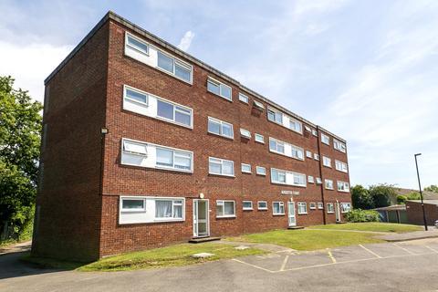 1 bedroom apartment for sale - Fairlawn Close, Hanworth