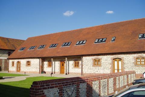 3 bedroom barn conversion to rent - Basing Barns, Sages Lane