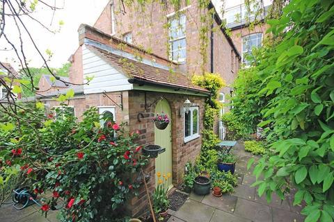2 bedroom cottage for sale - Warwick Place, Leamington Spa