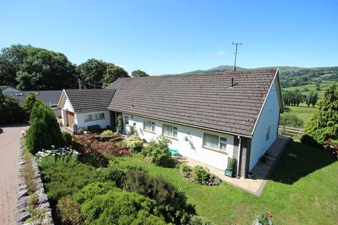 4 bedroom detached bungalow for sale - Iolyn Park, Glan Conwy