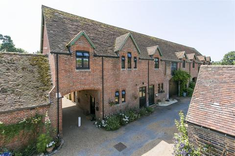 4 bedroom end of terrace house for sale - Home Farm Close, Leigh, Tonbridge