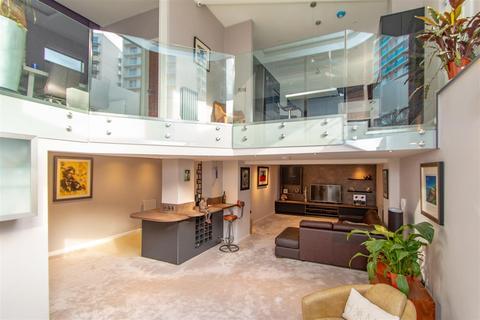 3 bedroom apartment for sale - Coleman House, Gravel Lane, Salford