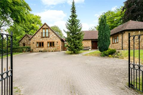6 bedroom detached bungalow for sale - Risborough Road, Great Kimble, Aylesbury, Buckinghamshire, HP17