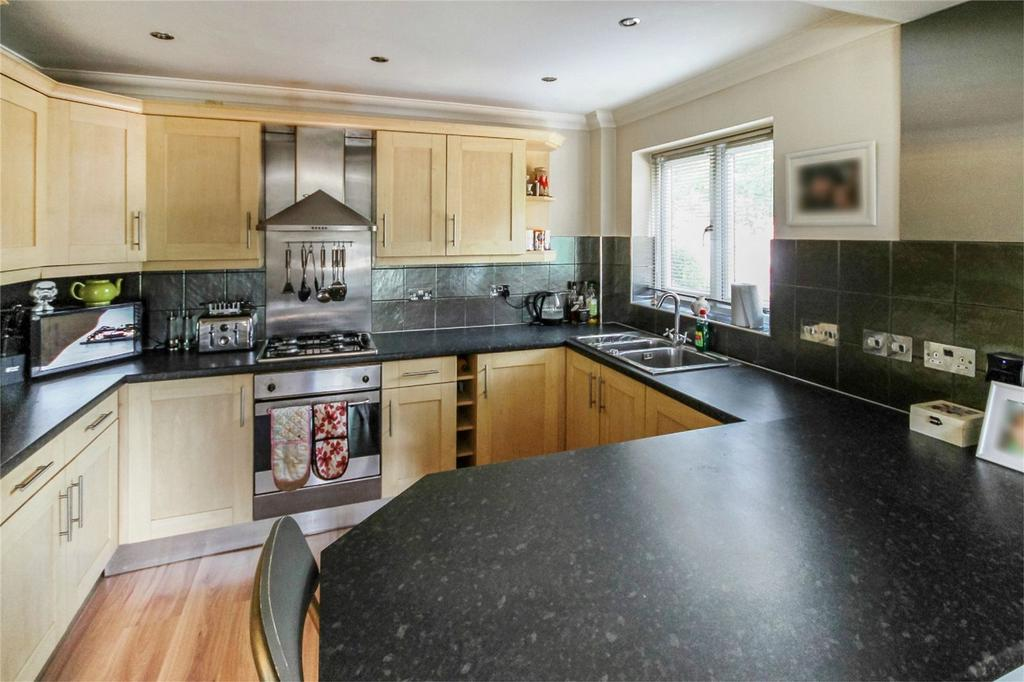 Merton Road Bedford 2 Bed Flat For Sale 163 169 950