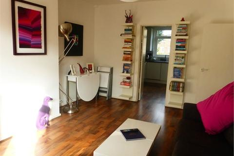 2 bedroom detached house to rent - Upper Tooting Park, LONDON