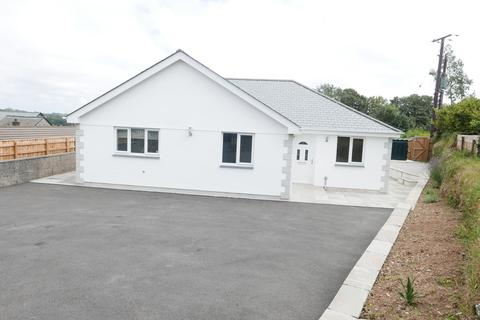 3 bedroom detached bungalow to rent - Highview Close, Tremar
