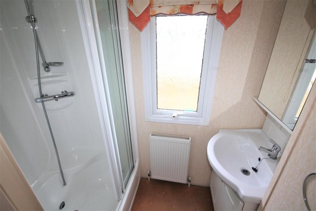 Shower Room   Aspen