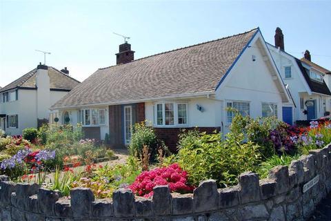 2 bedroom detached bungalow for sale - St Davids Road, Penrhyn Bay, Llandudno