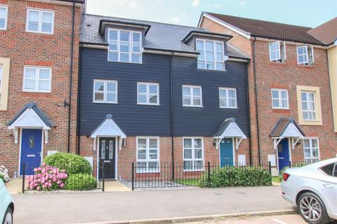 4 bedroom terraced house for sale - Drewitt Place, Aylesbury