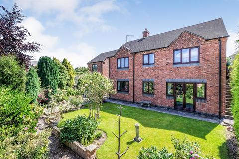 4 bedroom detached house for sale - Bumble Cottage, Newchapel