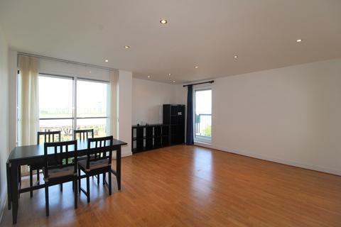 2 bedroom flat to rent - Wyatt Point, Erebus Drive, London, SE28