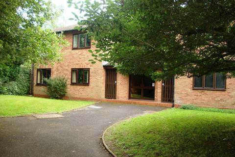 1 bedroom ground floor flat to rent - Maywell Drive, Solihull, B92 0PR