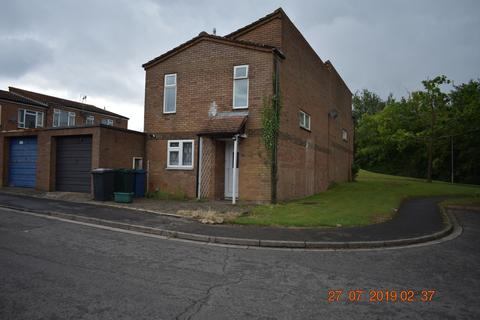 3 bedroom terraced house to rent -  Alford Road